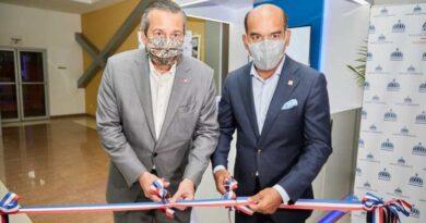 Medio Ambiente y Seguros Reservas inauguran estación de servicios que facilita a los usuarios la adquisición de fianzas ambientales