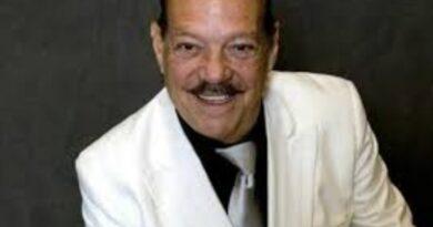 Fallece el músico salsero Larry Harlow, a los 82 años