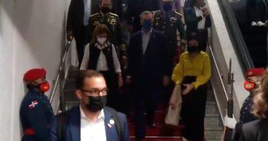 Presidente Luis Abinader regresa al país