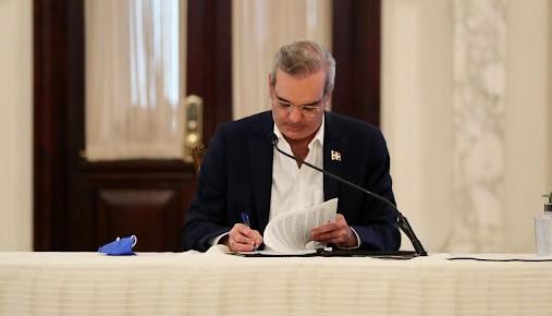 Presidente Luis Abinader designa 7 nuevos cónsules y vicecónsules