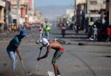 Bandas tirotean y acarrerean caravana de primer ministro haitiano en acto de homenaje a Dessalines