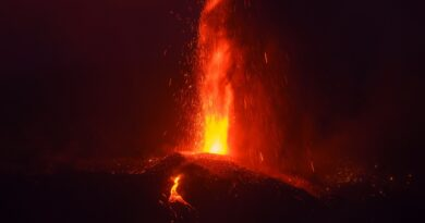 ESPAÑA: La erupción volcánica está lejos del cese en La Palma