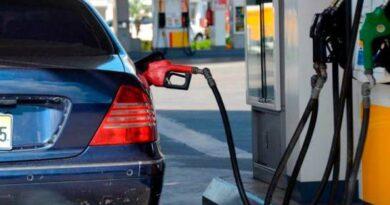 Gobierno congela precios de los combustibles por otra semana consecutiva