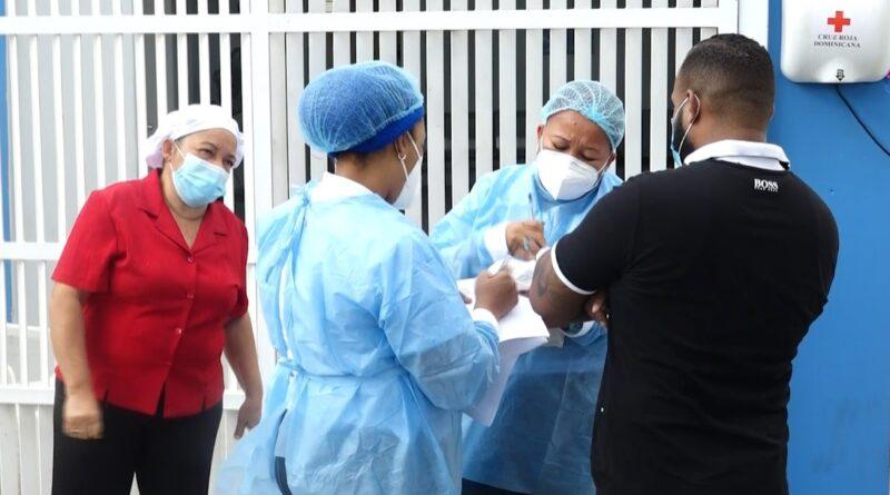 Repuntan contagios Covid en RD; reportan 996 casos y tres muertes